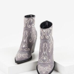 Велурени каубойски боти в сив цвят-980017