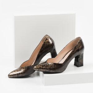 Лачени дамски обувки в зелен цвят-241107