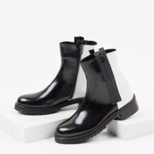 Стилни дамски боти в черен и бял цвят-140411