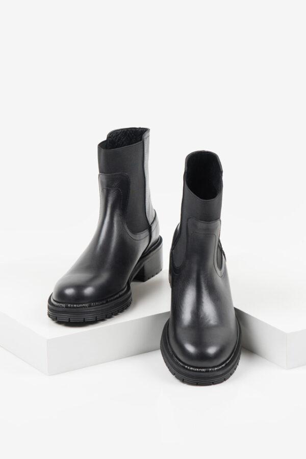 Ежединевни дамски боти в черен цвят-140415