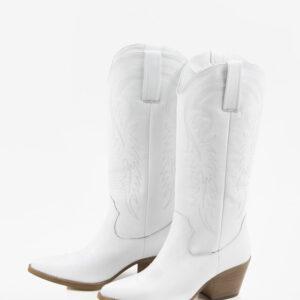 Стилни каубойски ботуши в бял цвят-038605