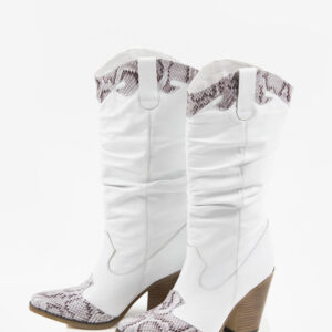 Стилни каубойски ботуши в бял цвят-038510