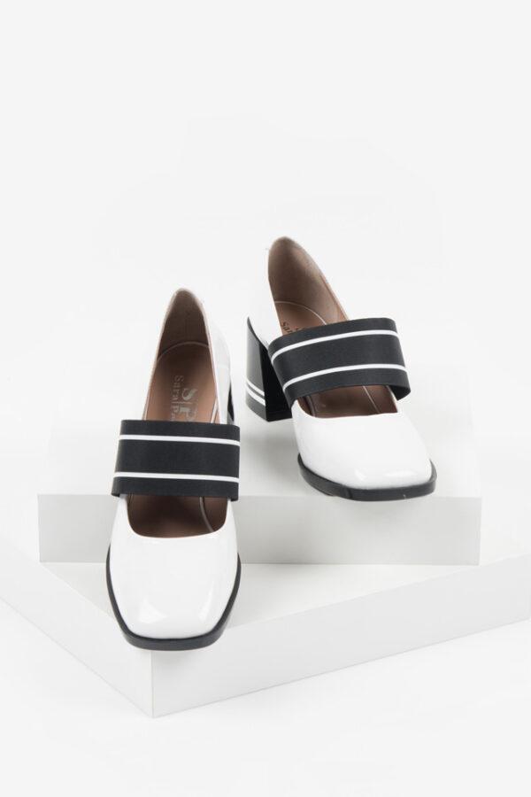 Лачени дамски обувки в бял цвят-169001