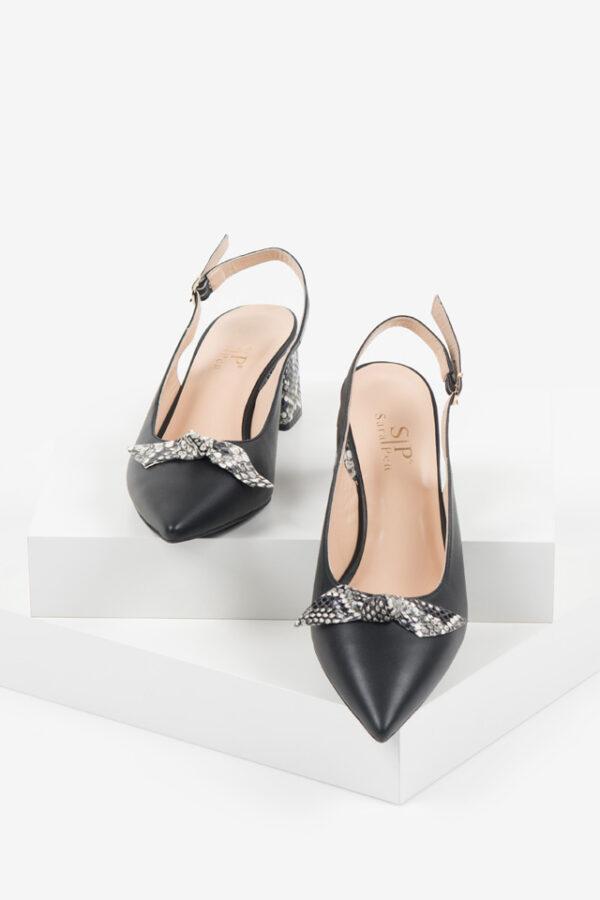 Кожени дамски сандали в черен цвят-241288