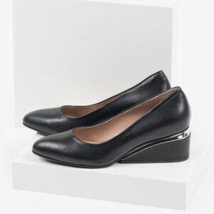 Кожени дамски обувки в черен цвят-160501