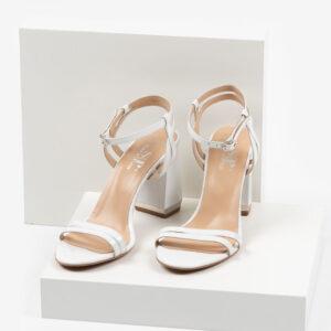 Дамски сандали в бял цвят-487618