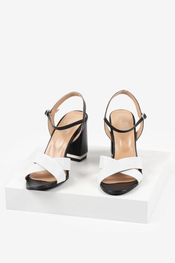 Кожени дамски сандали в черен и бял цвят-487616