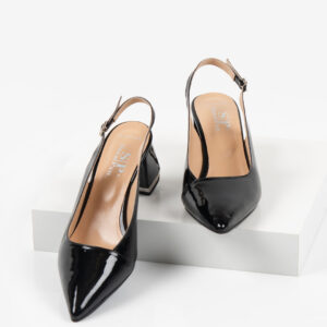 Лачени дамски сандали в черен цвят-481137