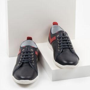 Мъжки обувки в черен цвят-0430112