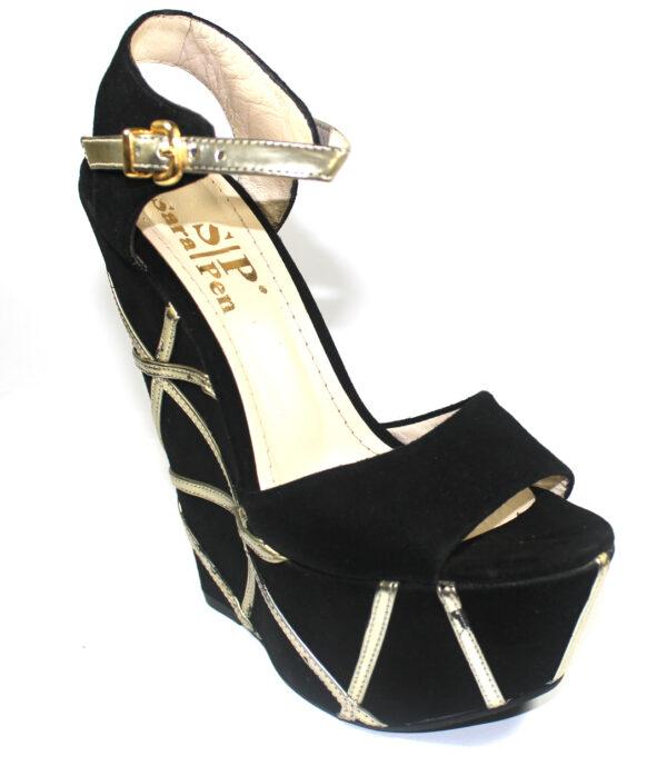 Велурени сандали в черно и златно с висока платформа-115887