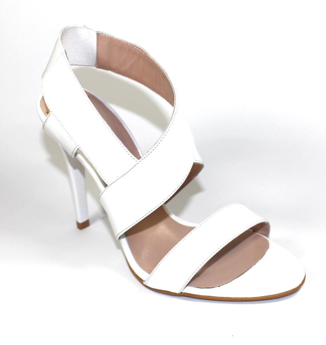 Кожени дамски сандали в бяло-486009