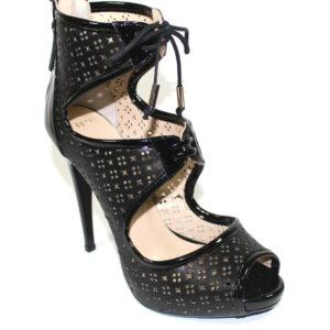 Ефектни сандали в черно-596073